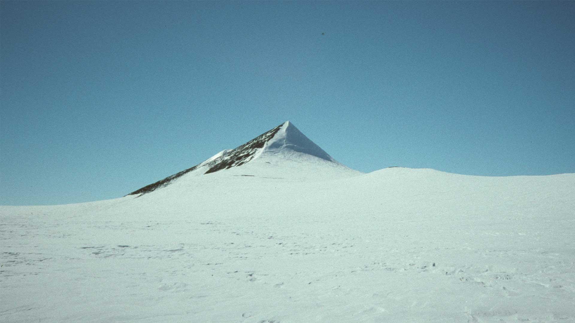 nunatak piramide antartide