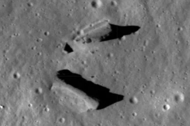 oggetto ripreso da lunar orbiter