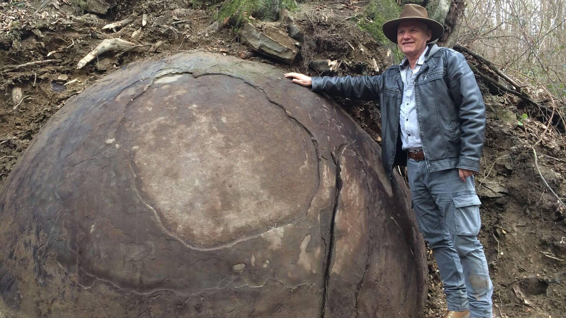 sfera di pietra bosnia