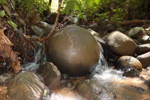 sfere di pietra